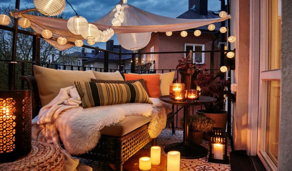 (P) Reamenajarea spațiilor: creează-ți propriul birou în aer liber pe balcon