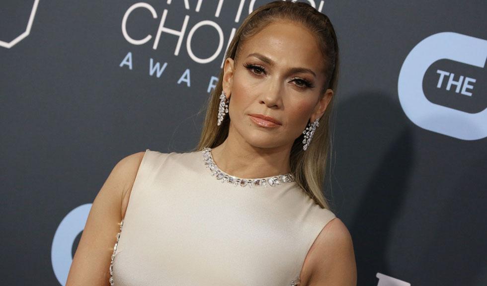Jennifer Lopez are o sosie, iar asemănarea dintre cele două este izbitoare