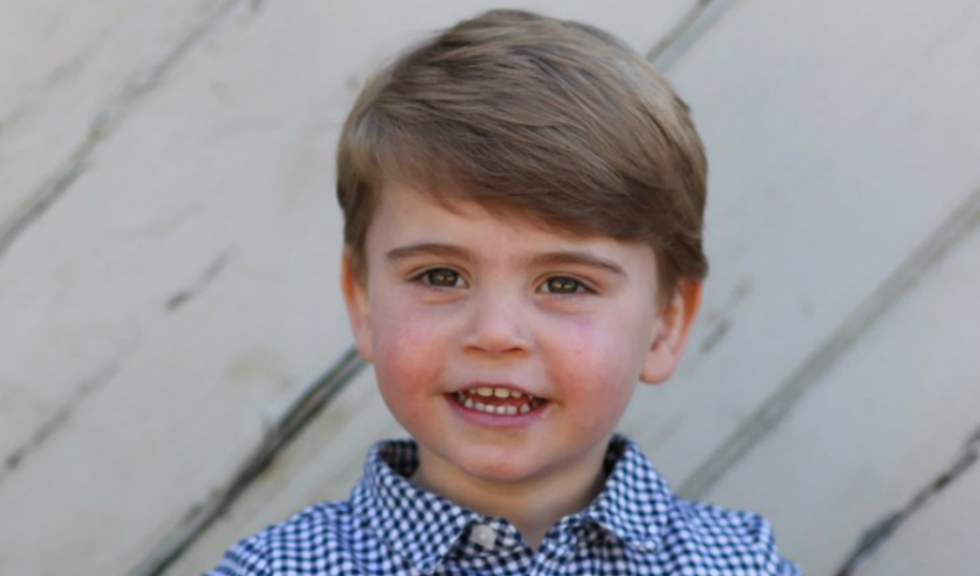 Prințul Louis a împlinit doi ani, iar fotografiile făcute de Kate Middleton au o semnificație specială