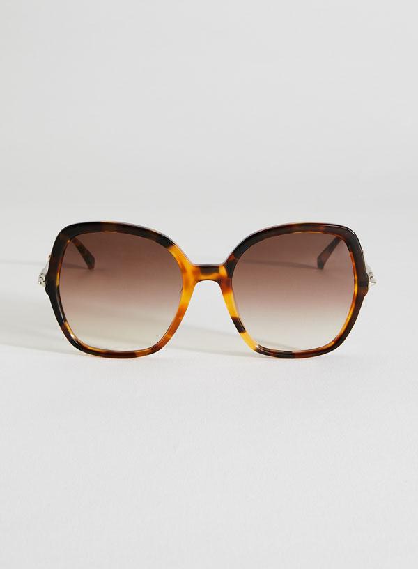 Cele mai HOT forme de ochelari de soare pentru vara aceasta