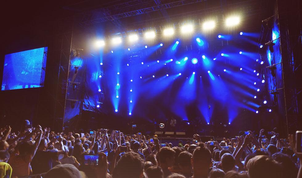 De la 1 iunie avem voie să participăm la concerte în aer liber, însă în ANUMITE condiții