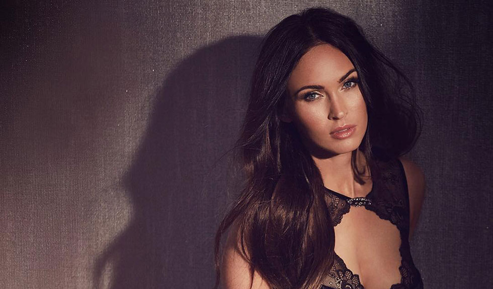 Megan Fox le răspunde fanilor scandalizați de faptul că actrița a fost prezentată în ipostaze sexy atunci când era minoră