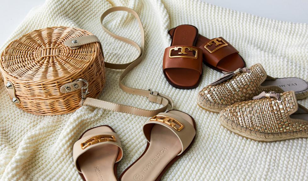 (P) Flats! Flats! Flats! Șlapi, sandale și espadrile pe care trebuie sa le ai în această vară
