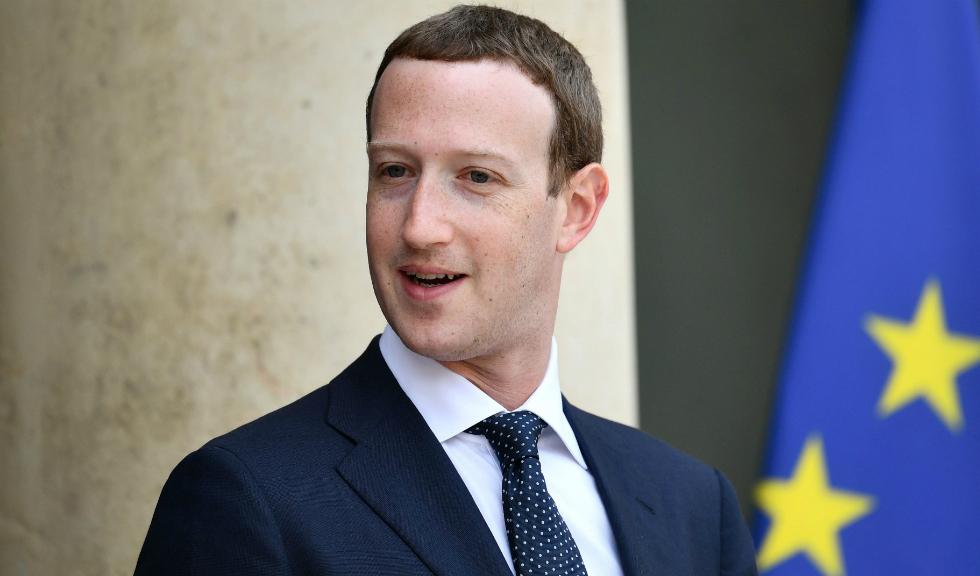 Mark Zuckerberg este protagonistul unei fotografii virale pe Internet