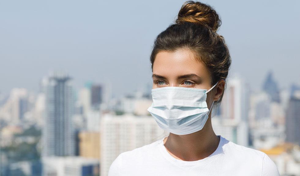 Masca refolosită își pierde capacitatea de protecție, afirmă medicii