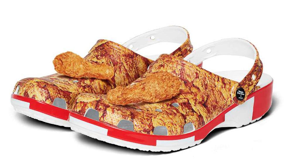 Crocs lansează saboții KFC – cu tot cu aroma de pui!