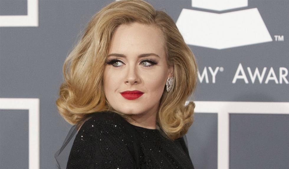 O imagine controversată cu Adele face ocolul Internetului