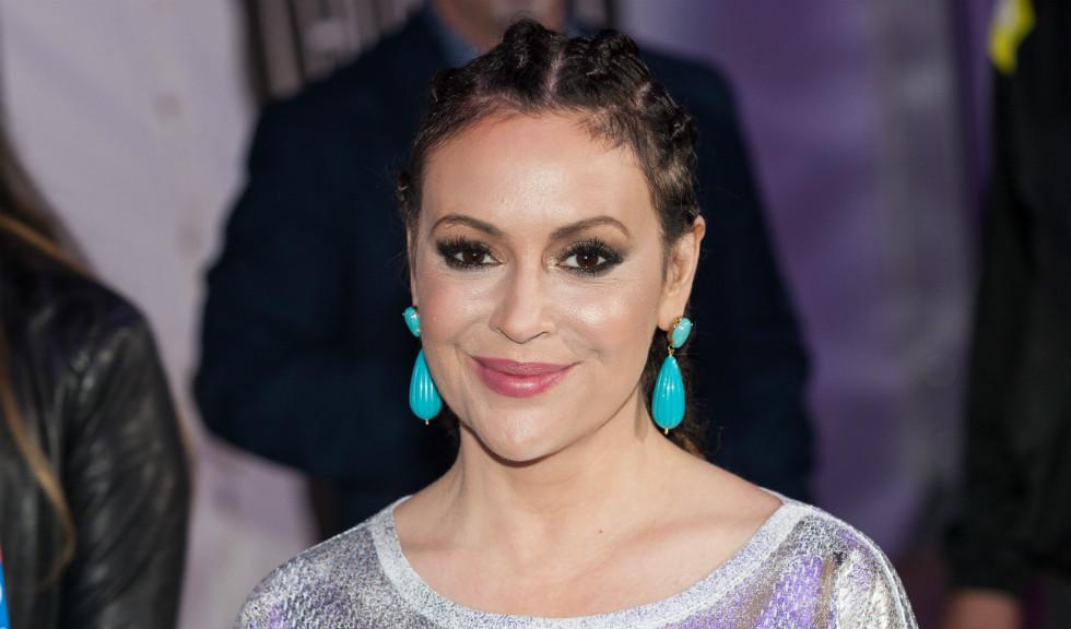Actrița Alyssa Milano mărturisește că se luptă cu pierderea părului din cauza infecției cu noul coronavirus
