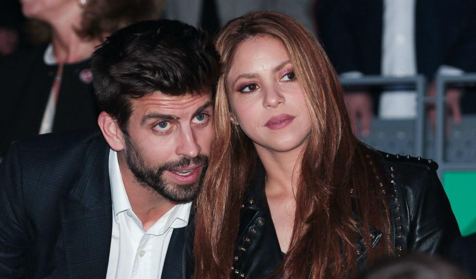 Shakira arată incredibil fără machiaj într-un selfie alături de iubitul ei, Gerard Piqué