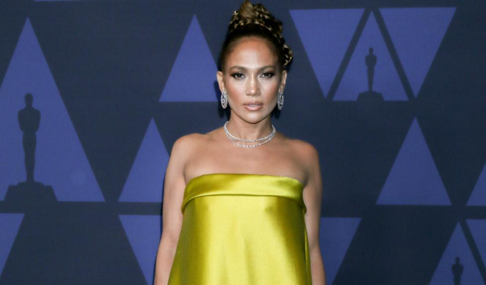 Jennifer Lopez a publicat fotografii inedite alături de surorile ei, Leslie și Lynda