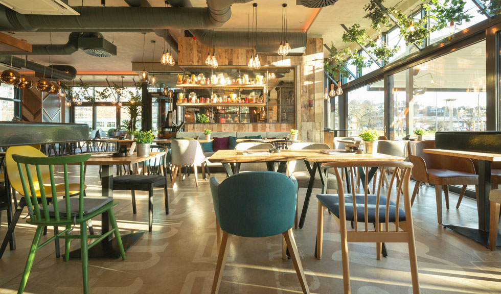 OFICIAL: Se redeschid restaurantele din 1 septembrie. În ce condiții vor funcționa?