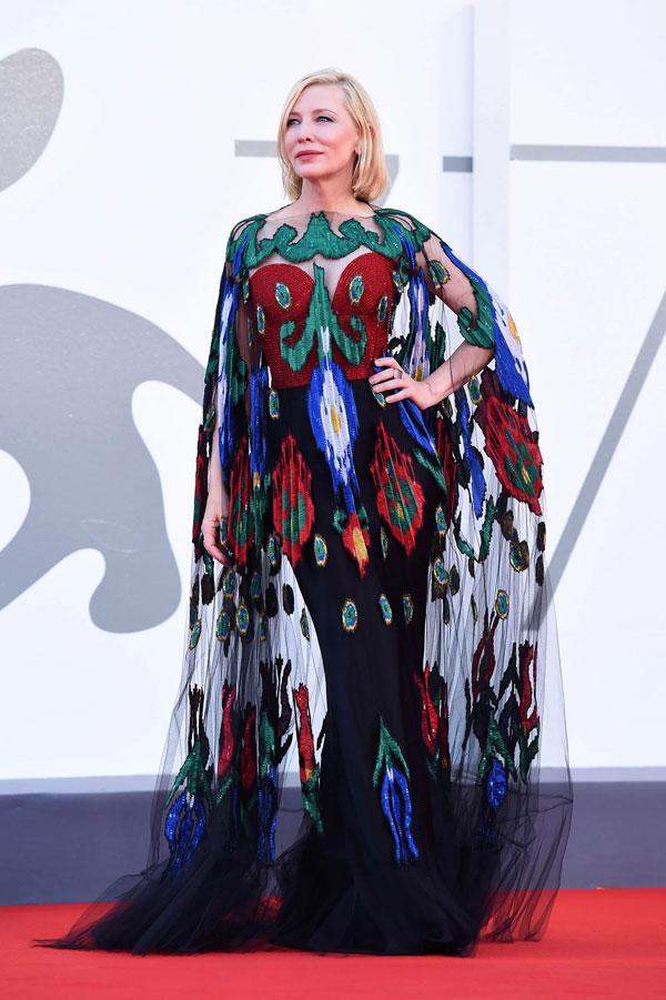 Festivalul de Film de la Veneția 2020: cele mai spectaculoase ținute pe covorul roșu