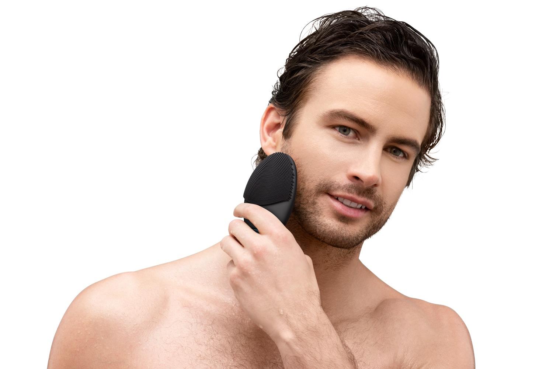 (P) Îngrijire specific masculină de la FOREO cu noul LUNA 3 MEN