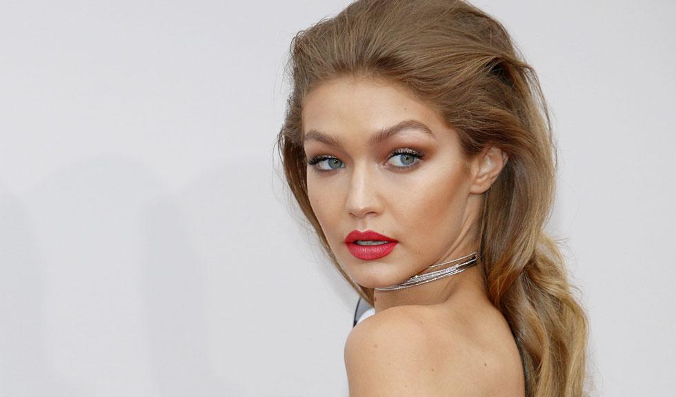 Fanii cred că Gigi Hadid a născut și totul a început de la o fotografie
