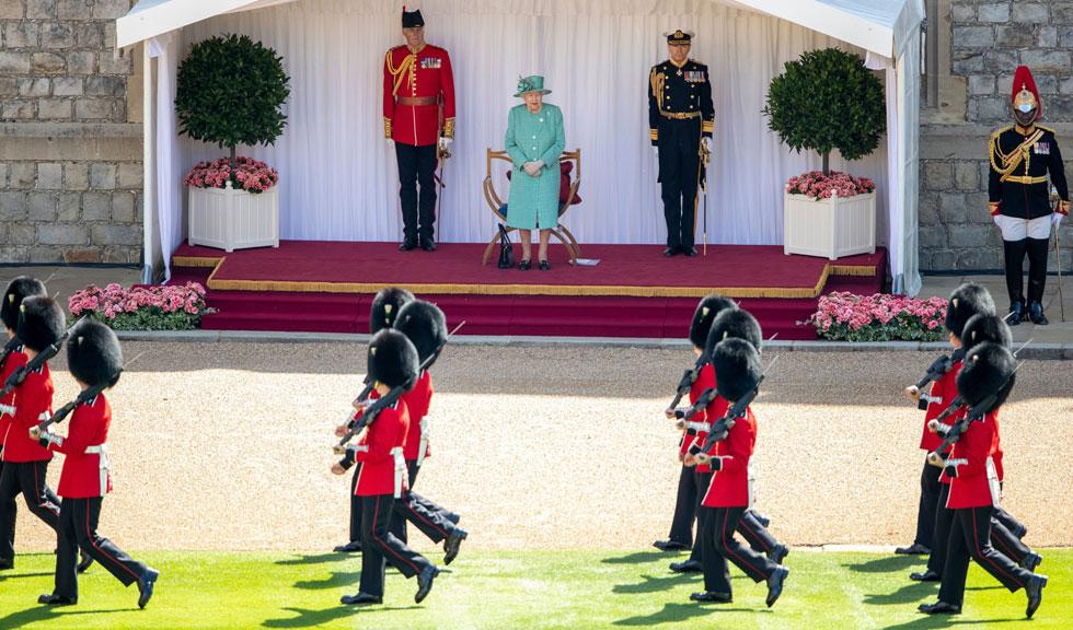 Gărzile Reginei Elisabeta a II-a au ajuns la închisoare pentru nerespectarea regulilor contra coronavirusului