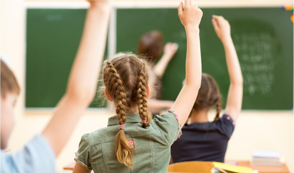 Scenariile pentru școli, stabilite după ce Ministerul Sănătății a publicat lista incidenței cazurilor Covid-19. Cum vor face elevii școală în București?