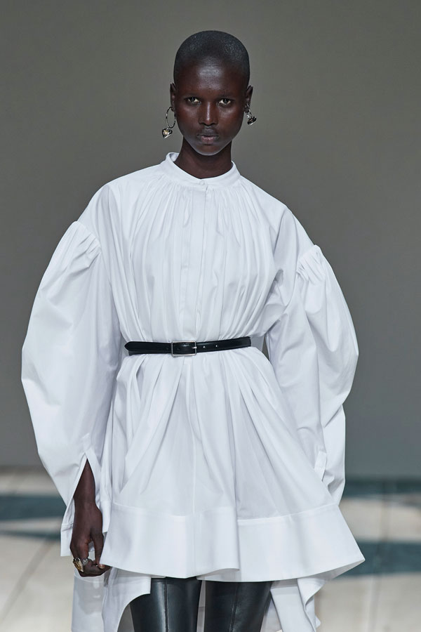 Minimalism, unul dintre cele mai cool trend-uri fashion ale momentului