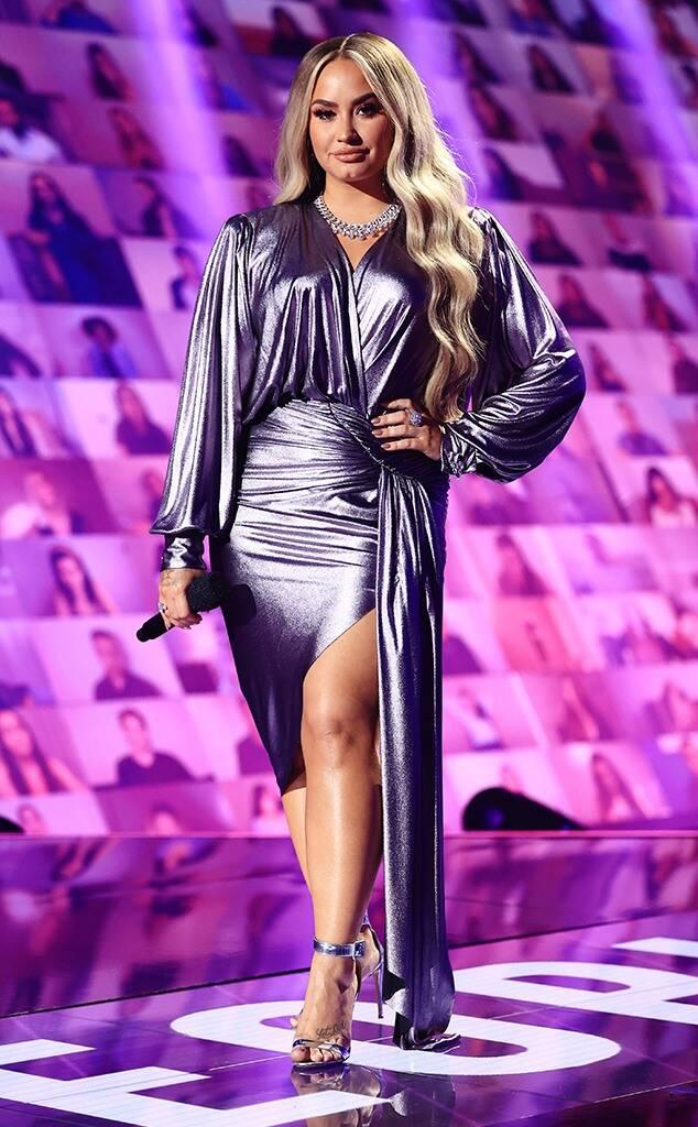 Cele mai sexy ținute la decernarea E! People's Choice Awards 2020 (GALERIE FOTO)
