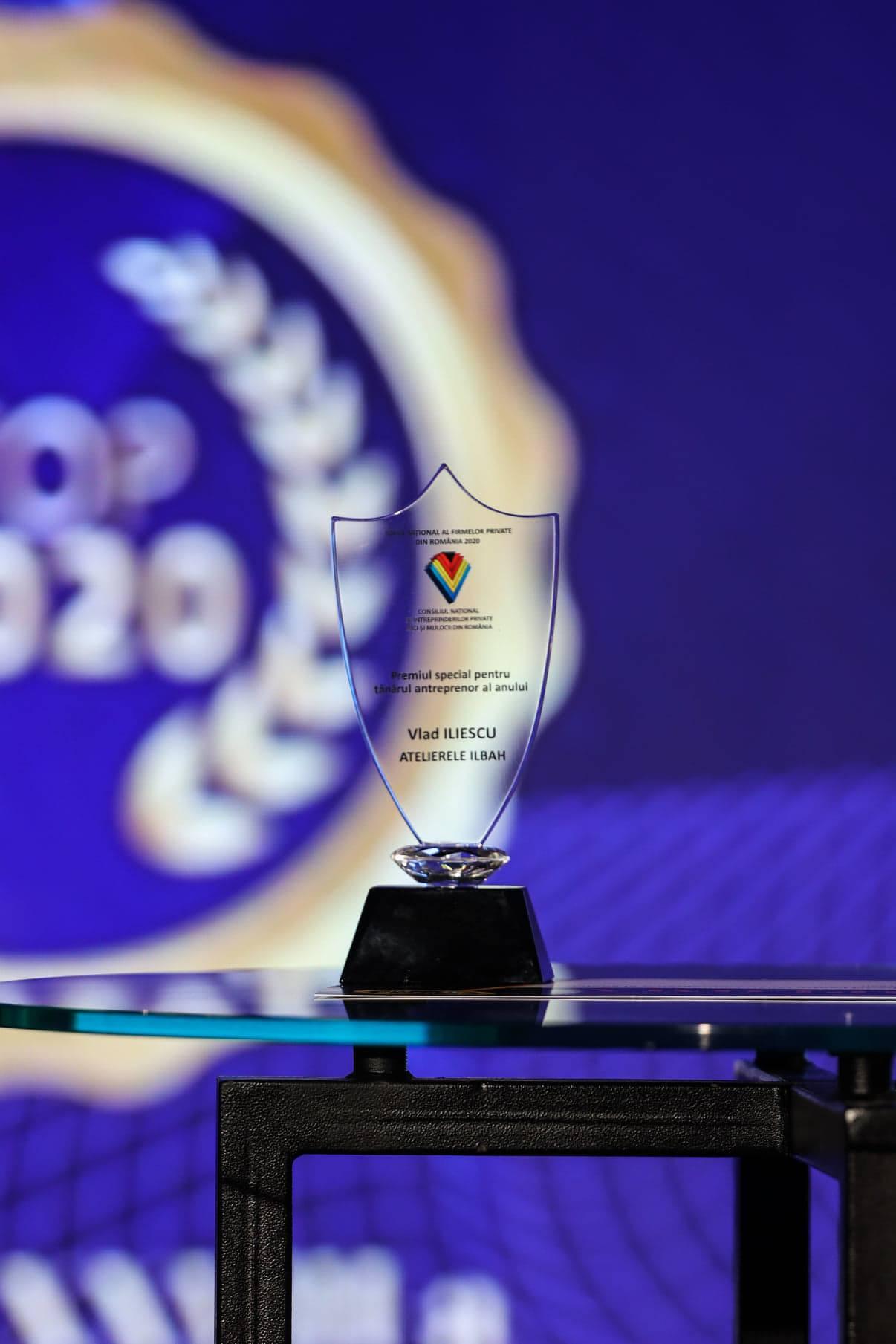 """(P) Vlad Iliescu, directorul general Atelierele ILBAH, obtine premiul pentru """"Tanarul antreprenor al anului"""" iar Atelierele ILBAH este numarul 1 in Bucuresti"""