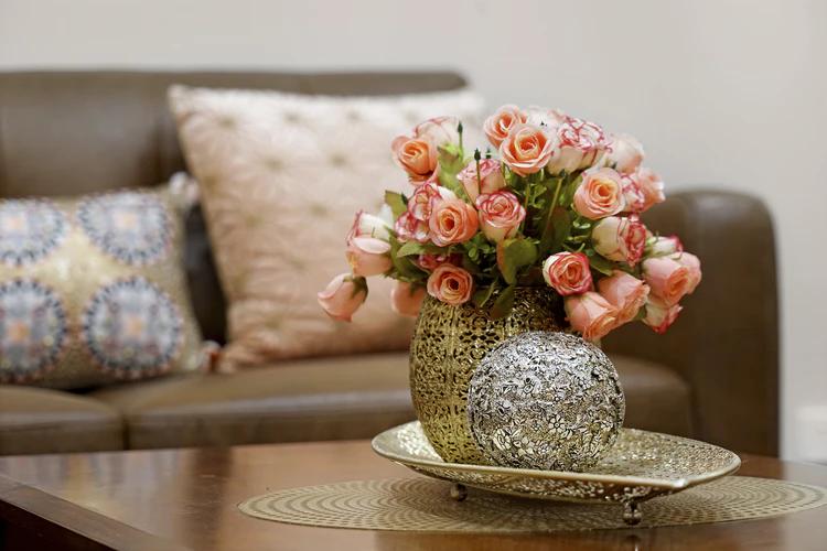 (P) Aranjamente florale nemaivăzute? Le poți găsi online, într-o florărie de lux!