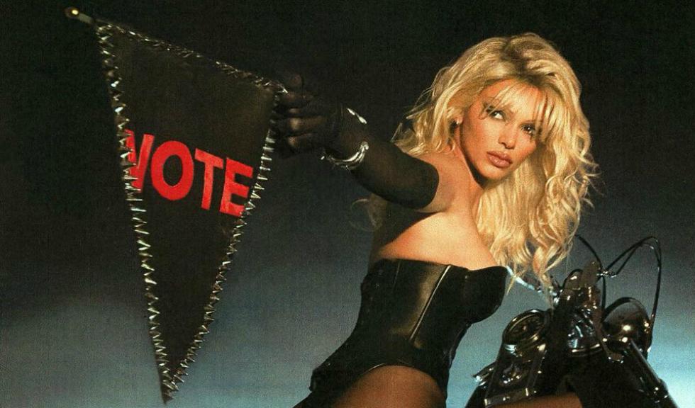Ținutele și mesajele importante transmise de vedete cu ocazia votului