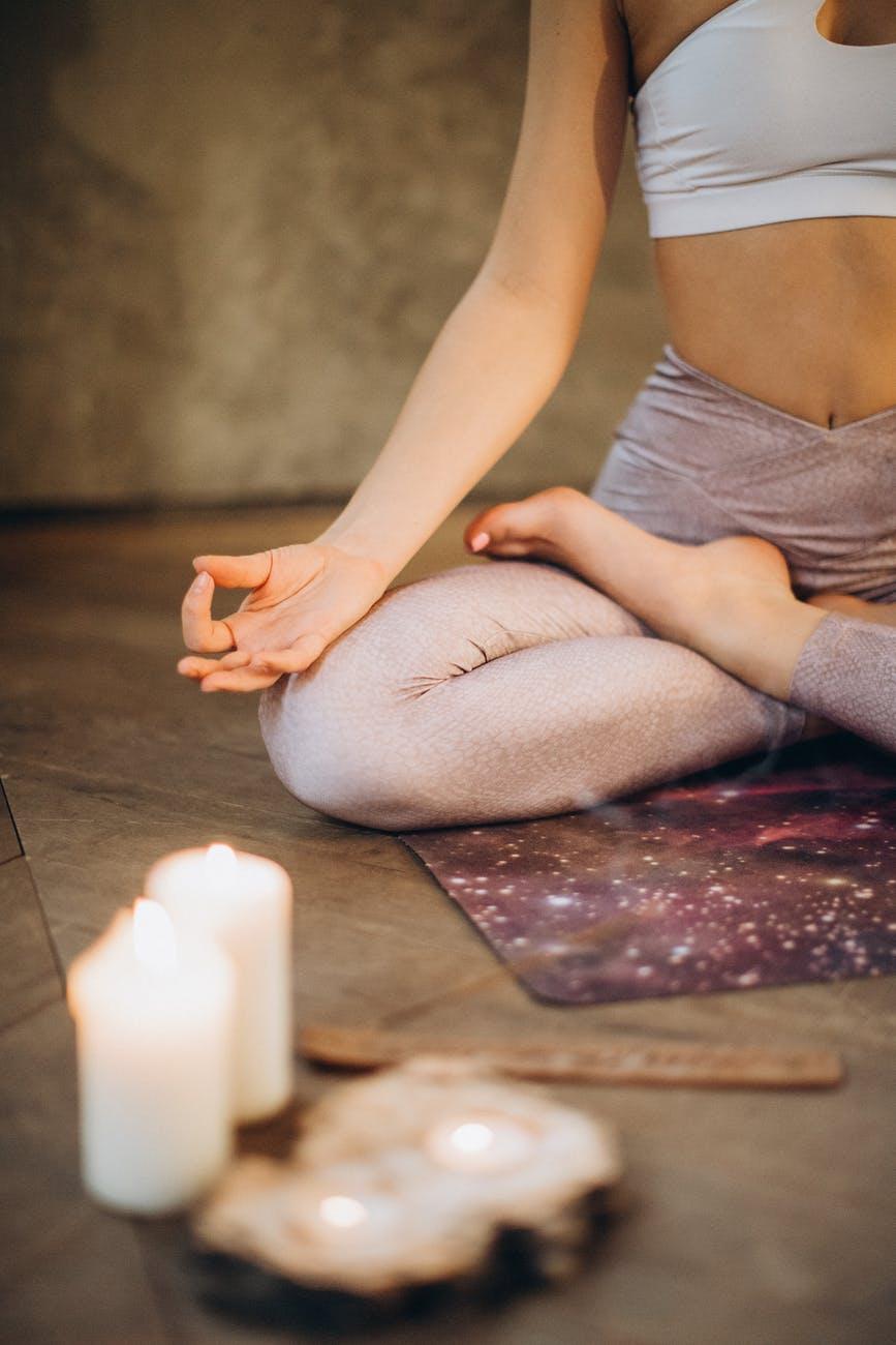 (P) Yoga și Qigong: care sunt asemănările și diferențele dintre cele două