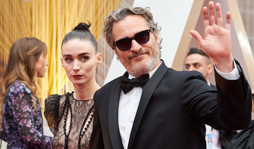 Joaquin Phoenix și Rooney Mara au confirmat public că au devenit părinți