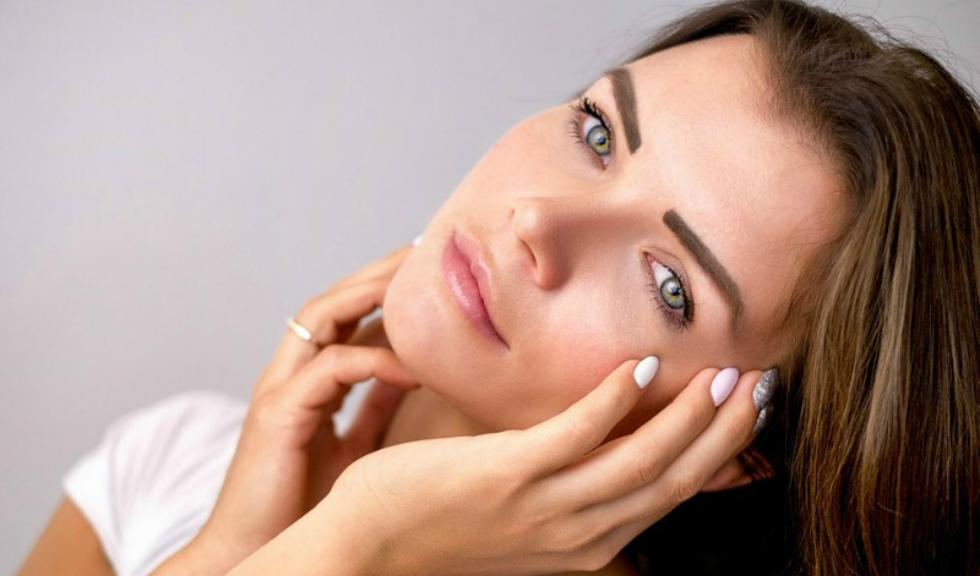 5 trucuri prin care previi îmbătrânirea prematură a tenului