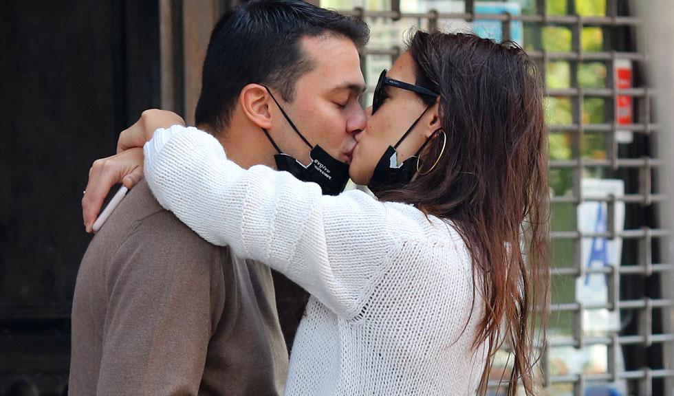 Detalii inedite despre relația dintre Katie Holmes și noul ei iubit, Emilio Vitolo, ies acum la iveală