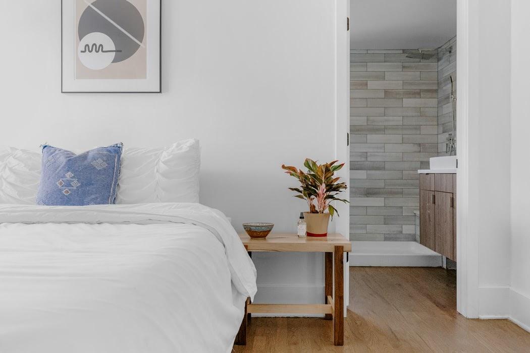 (P) 3 idei practice de amenajare a dormitorului
