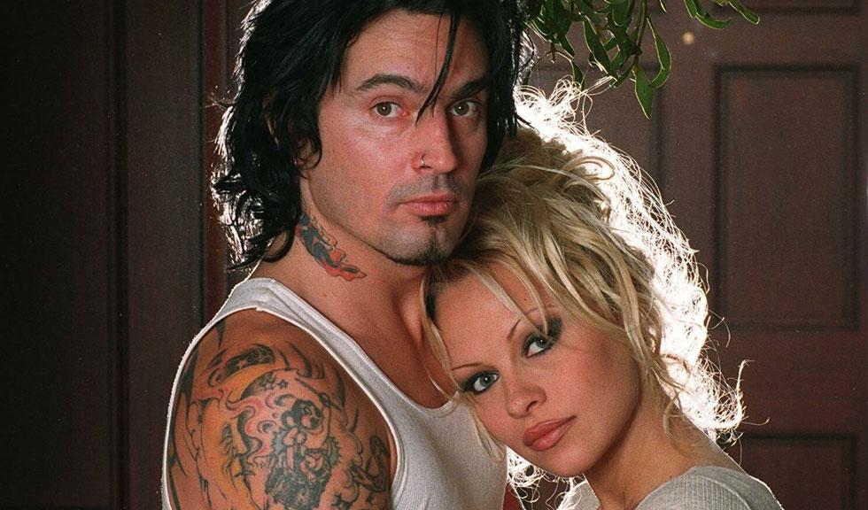 Legătura neașteptată dintre Lily James & Sebastian Stan și celebra sex tape făcută de Pamela Anderson & Tommy Lee