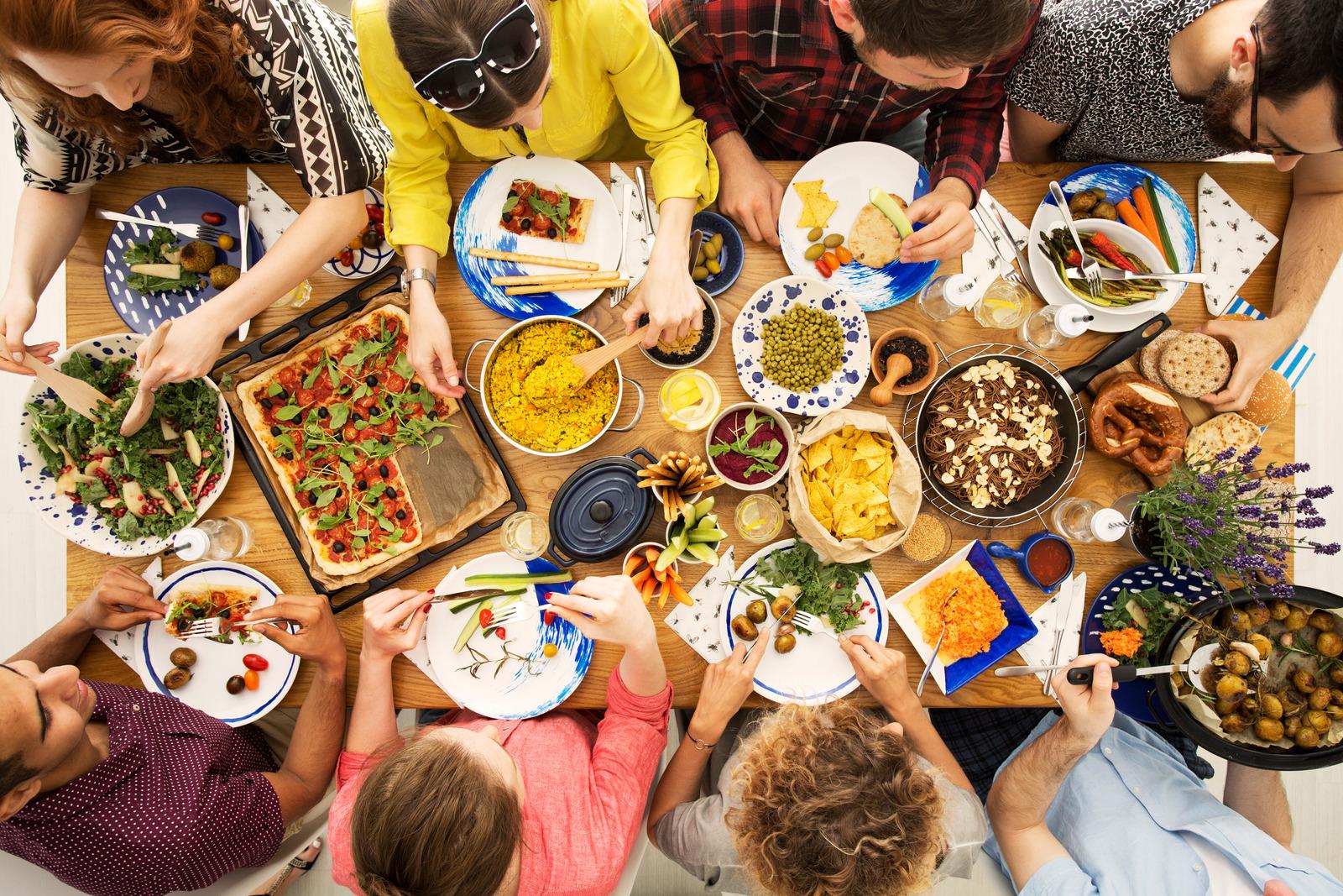 (P) Află de ce tot mai mulți oameni aleg acest tip de alimentație
