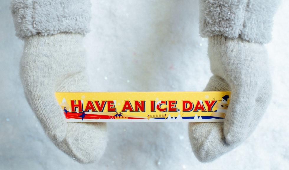 (P) Un cadou diferit: dăruiește emoție autentică, cu Toblerone împachetat de iarnă