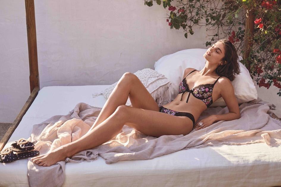 (P) Valentine's Day: Lenjerie fabuloasă Victoria's Secret, pentru cea mai romantică sărbătoare indoor