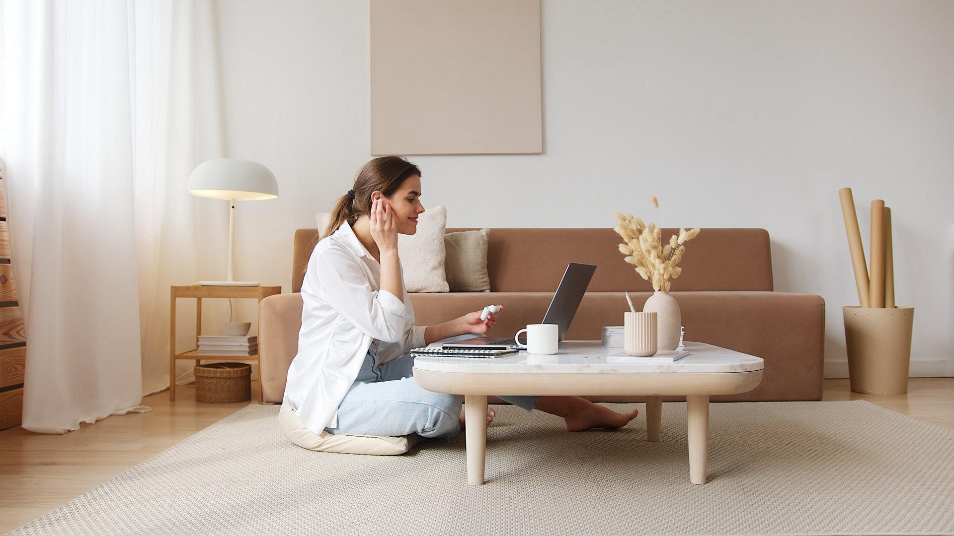 (P) Beneficiile psihoterapiei online in vremea pandemiei