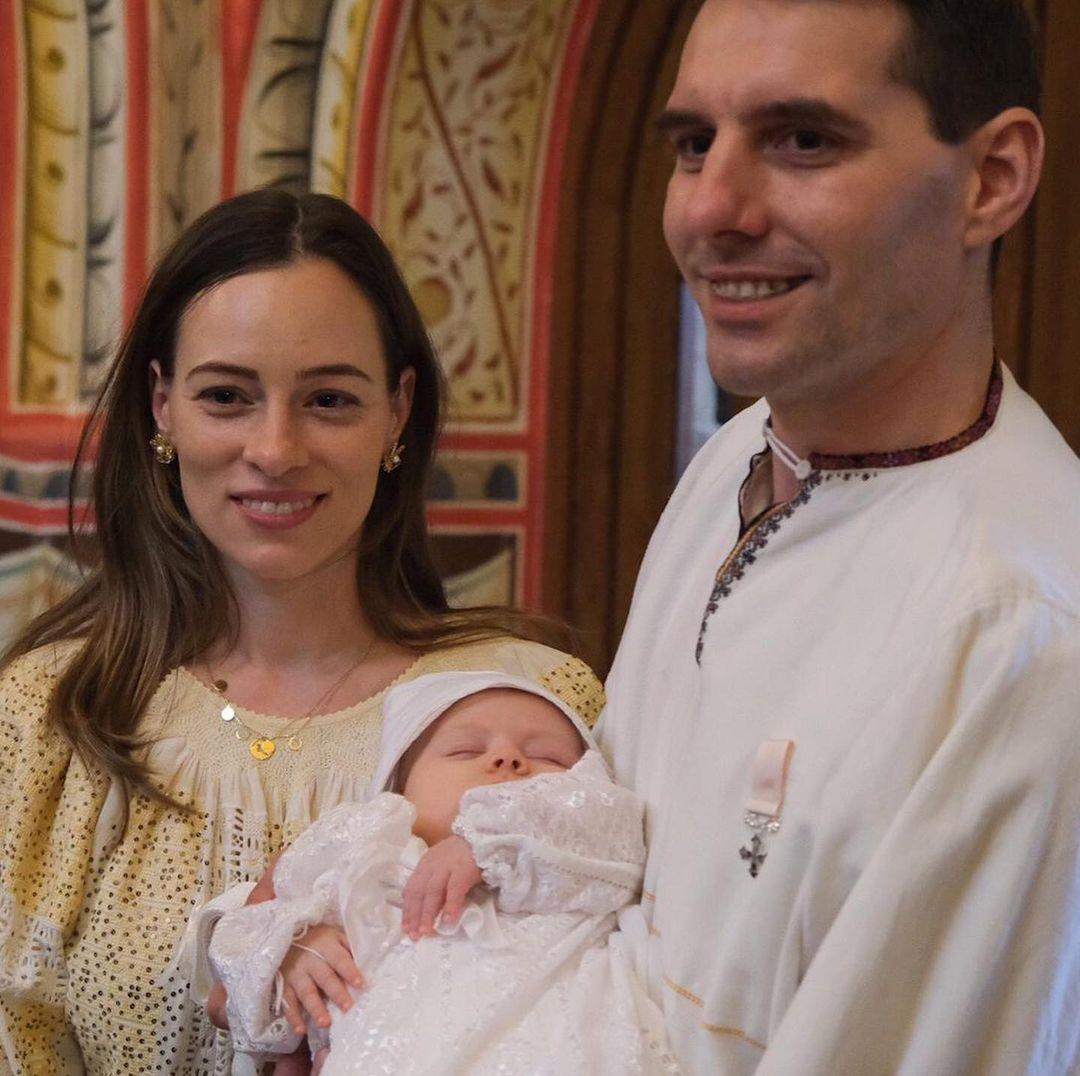 Maria Alexandra, fiica fostului Principe Nicolae al României și a Alinei Binder, are nași cu sânge albastru. Cine sunt aceștia