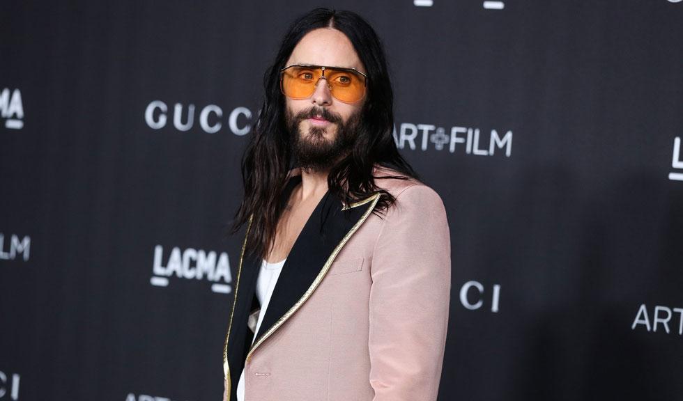 Actorul Jared Leto, de nerecunoscut pe platourile de filmare de la House of Gucci