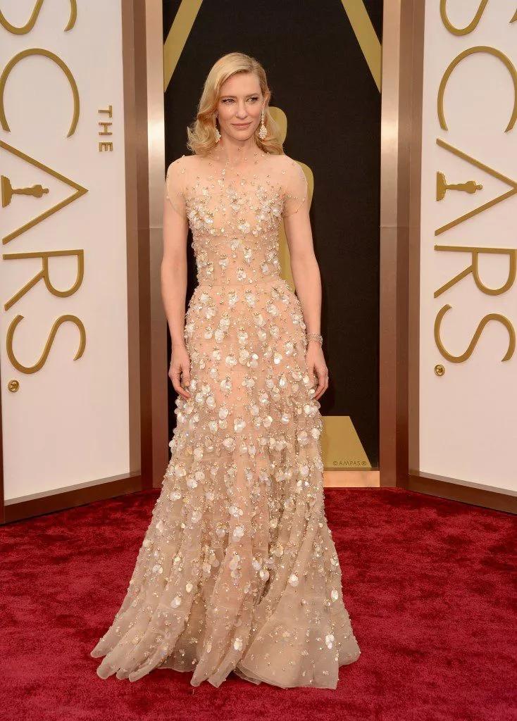Cele mai frumoase rochii de pe covorul roșu de la Oscar, pe care încă ni le amintim cu admirație