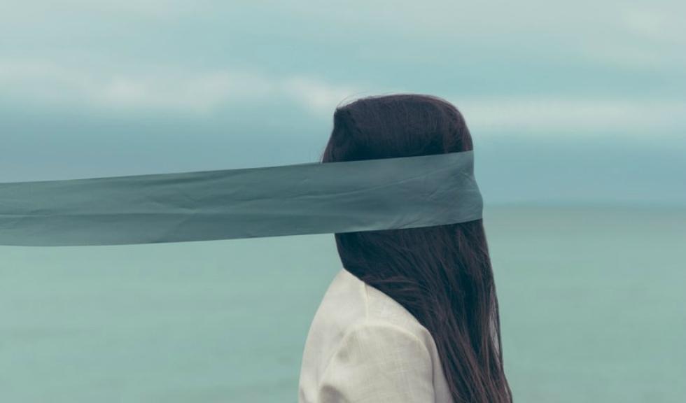 3 moduri simple de a îți schimba atitudinea când nu mai poți schimba nimic altceva