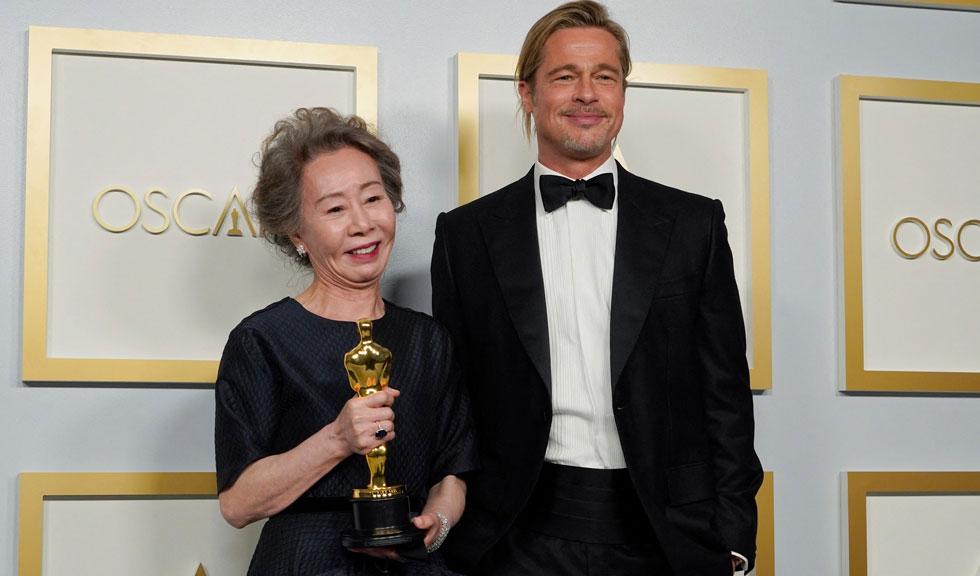 Cine este femeia care a flirtat cu Brad Pitt la Oscar?
