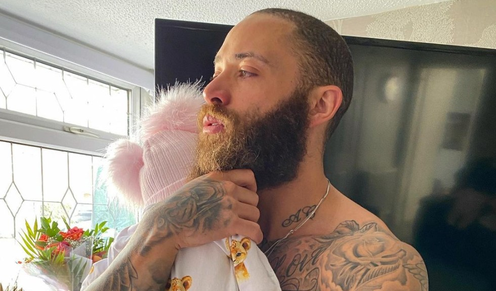 Fiica fotbalistului Ashley Cain a încetat din viață la doar 8 luni