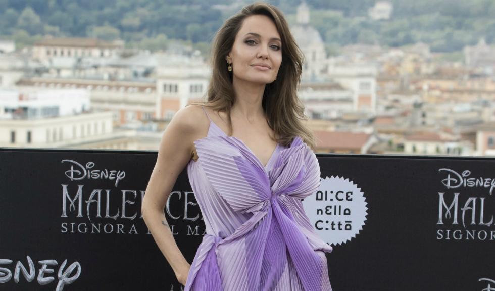 Angelina Jolie dezvăluie cel mai important lucru pe care l-a învățat despre parenting de la mama sa