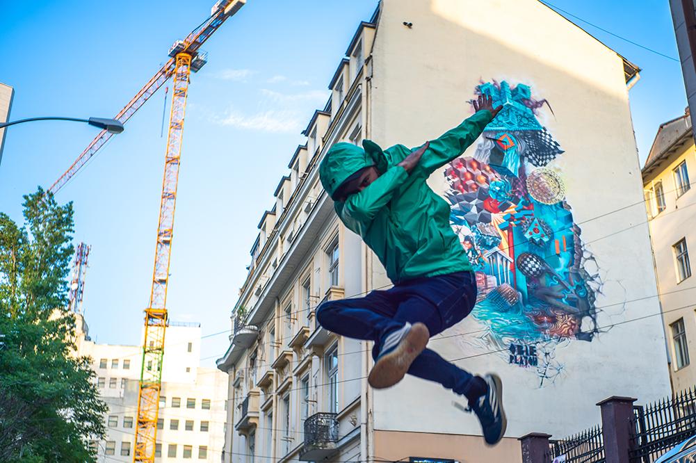(P) Art for Air: o colaborare cool între Romanian Design Week și artistul stradal Obie Platon, pe care nu trebuie să o ratezi
