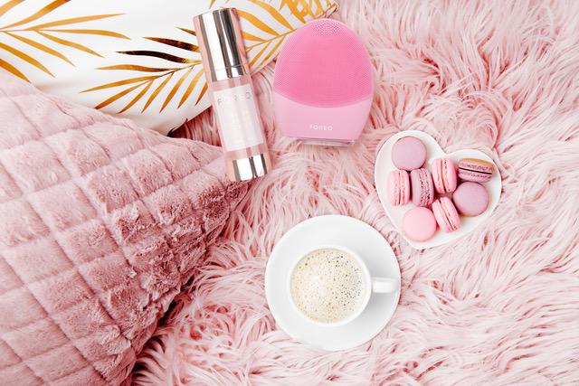 (P) Curățare profesională chiar la tine acasă. Știi exact care sunt pașii de urmat pentru a efectua cea mai eficientă curățare a feței?