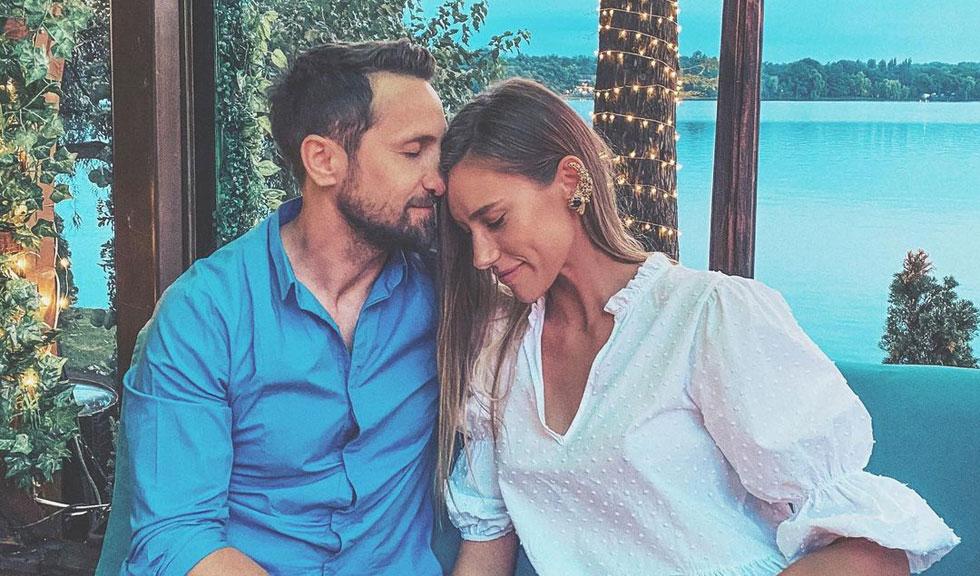 Ce decizie importantă au luat Dani Oțil și iubita lui, Gabriela Prisăcariu, cu puțin timp înainte de a deveni părinți