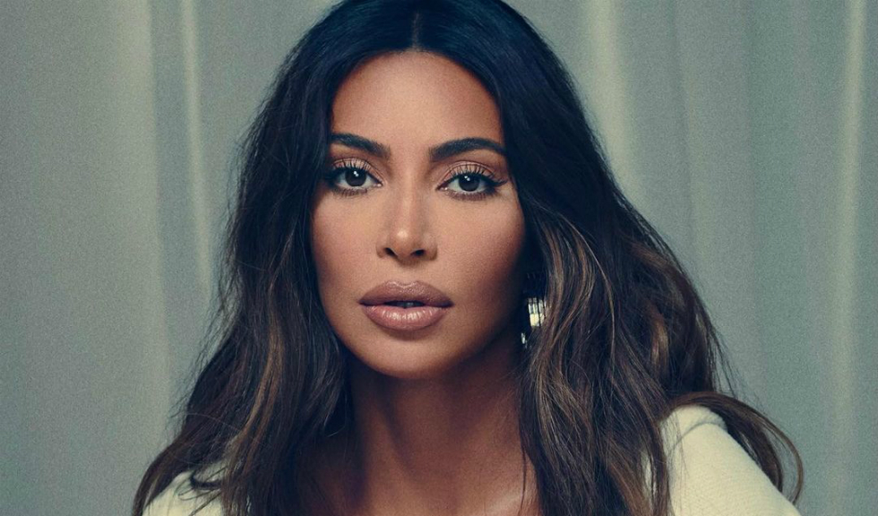O statuie antică furată o aduce pe Kim Kardashian în fața instanței