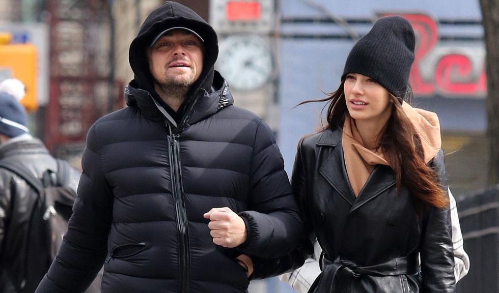 Imagini INEDITE cu Leonardo DiCaprio, la plajă cu tatăl și iubita lui
