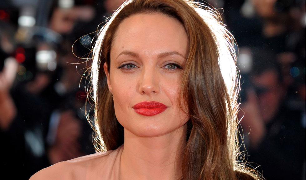 Angelina Jolie, fotografiată din nou acasă la fostul soț, Jonny Lee Miller