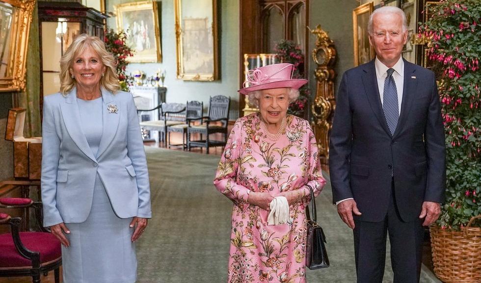 Regina Elisabeta a II-a s-a întâlnit cu președintele Joe Biden și soția sa, Jill. Detaliul care a atras atenția