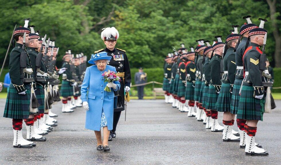 Regina Elisabeta, la prima deplasare oficială de după moartea Prințului Philip